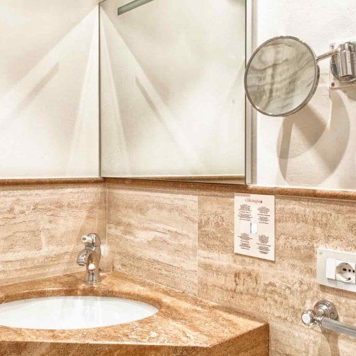 Lavandino del bagno della camera singola